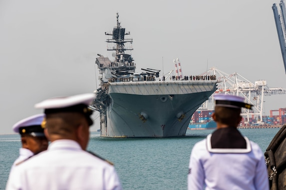 USS America, Green Bay Arrive in Thailand for Cobra Gold