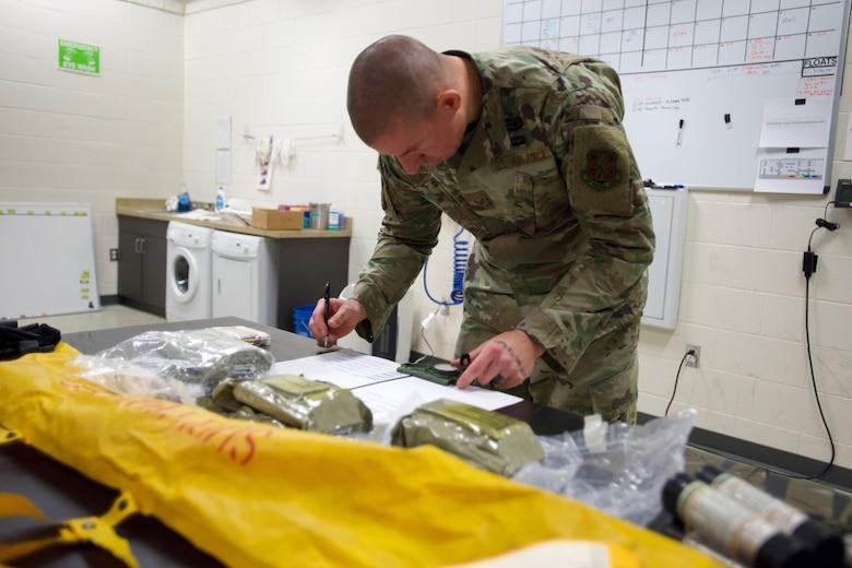 Aircrew Flight Equipment keeps C-17 aircrew safe
