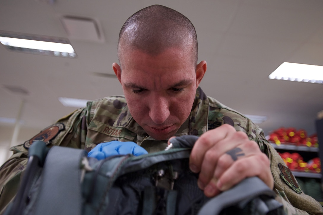 Aircrew Flight Equipment keeps C-17 aircrew safe