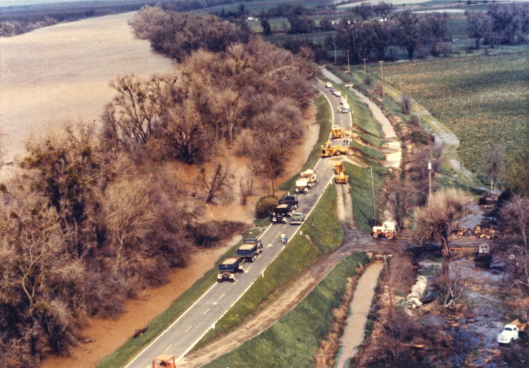 Natomas Garden Highway Flood 1986