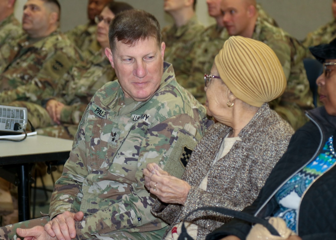 Army Reserve Soldiers honor black history pioneer