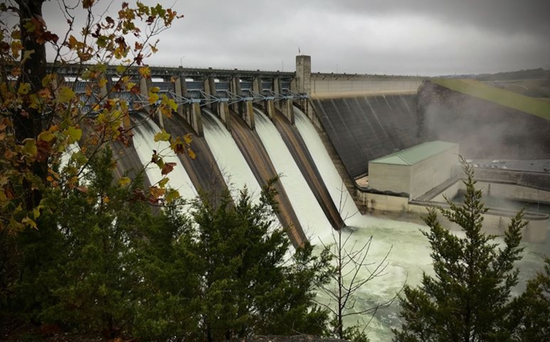 Table Rock spillway in operation
