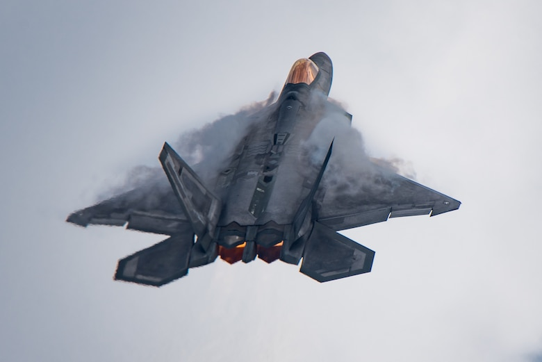 F-22 Raptor Demonstration Team commander, performs during the Chicago Air and Water Show