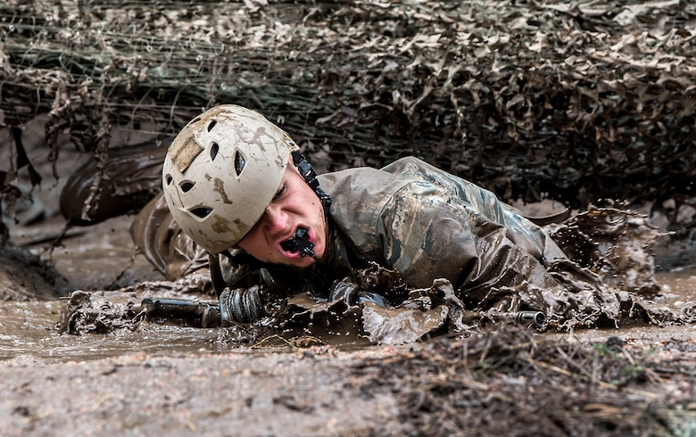 A U.S. Air Force Academy class of 2023 basic cadet tests the assault course