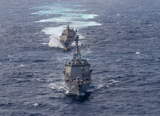 USS Detroit (LCS 7) and USS Gridley (DDG 101) perform division tactics.