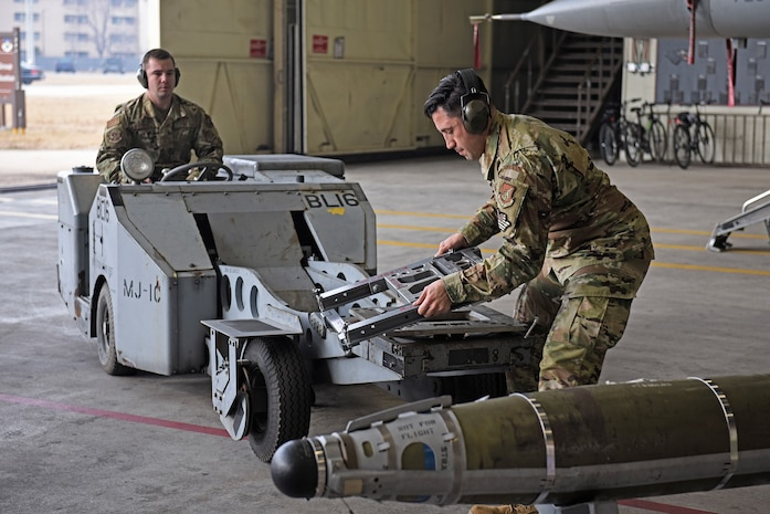 80th Aircraft Maintenance Unit Wins Load Crew Competition