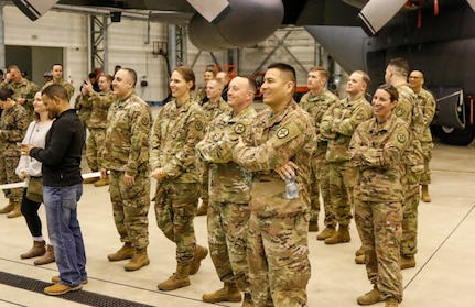 Army Reserve unit works behind the scenes to help make USO tour show a success