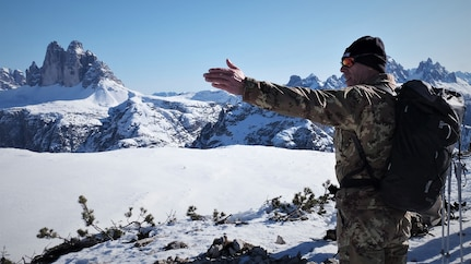 U.S. Soldiers summit Monte Specie with Italy´s 6th Alpine Regiment