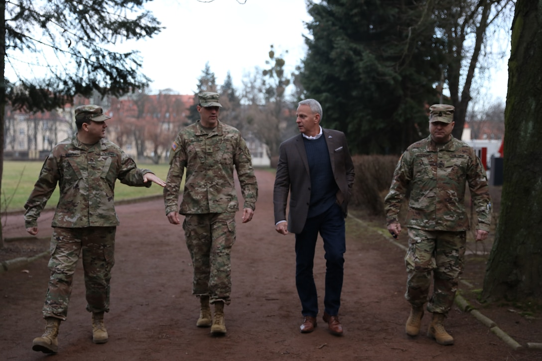 418th Civil Affairs Battalion hosts Army Brig. Gen. Robert Cooley