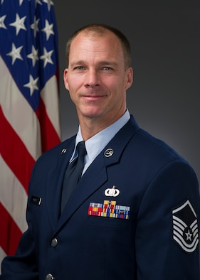 Official Photo of TSgt Robbie Mayes