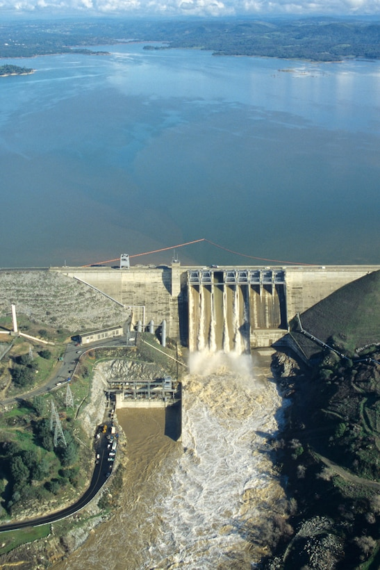 """""""New Years Deluge"""" and Folsom Dam 1997"""