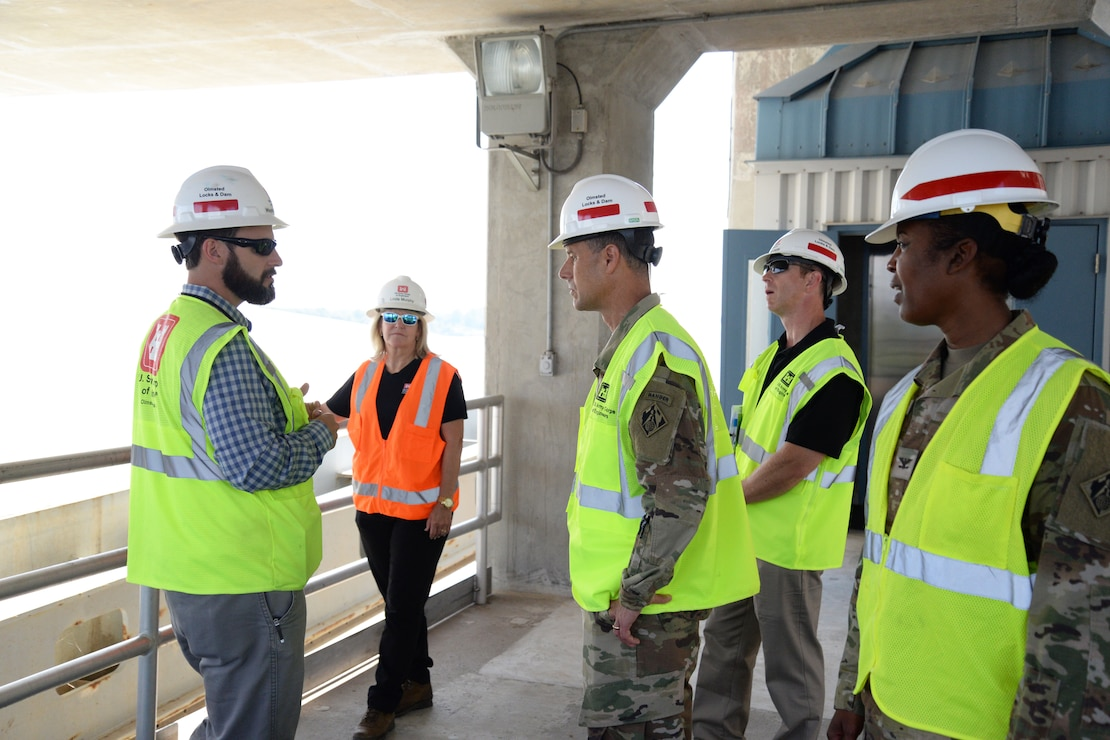 LRD Commander Maj. Gen. Whittle visits Olmsted Locks and Dam, USACE Louisville District Commander Col. Antoinette Gant.