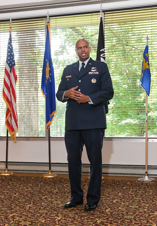 Col. Ernest Lincoln Bonner speaks after assuming leadership of the Arnold Engineering Development Complex Test Division during a Change of Leadership Ceremony June 25 at Arnold Lakeside Center at Arnold Air Force Base.(U.S. Air Force photo by Jill Pickett)