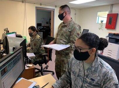 Team Kadena's Intel, Recon Squadrons Outsmart COVID-19