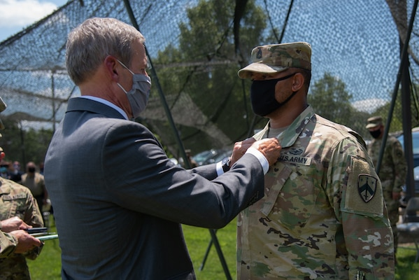 Tennessee Guardsman Receives Soldier S Medal For Heroism National Guard Guard News The National Guard