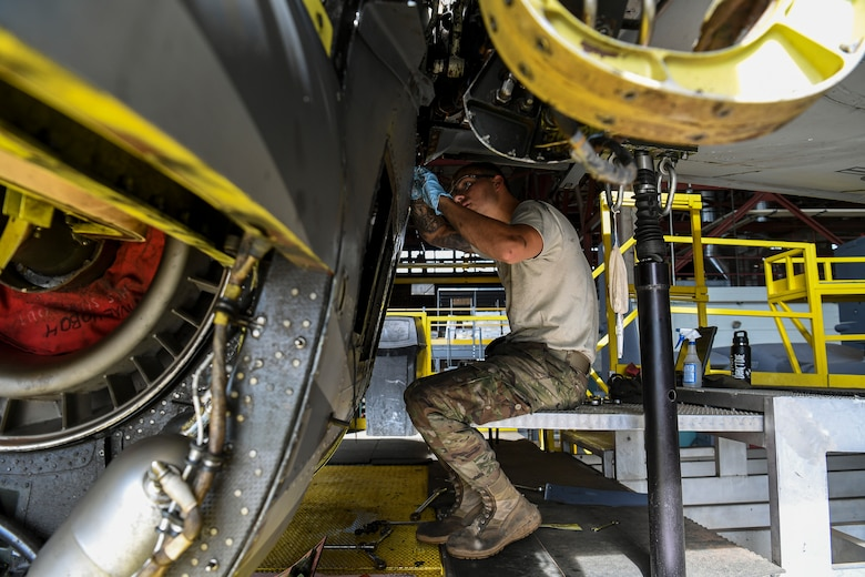 Maintainer works on a CV-22