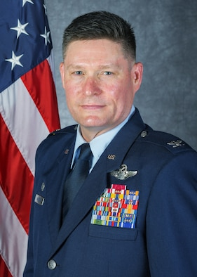 Studio Photo of Col. Michael Walters, 5BW Commander.