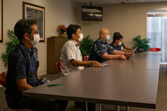 沖縄県は7月15日、米海兵隊基地キャンプ・フォスターにある米海軍病院で、米海兵隊太平洋基地の上層部や米軍保健機関と新型コロナウイルス感染症について協議する会合を開きました。