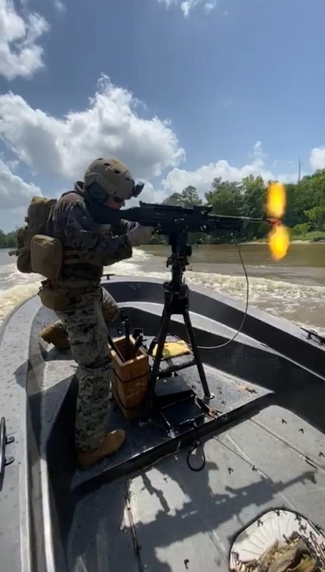 US Marine task force conducts riverine training