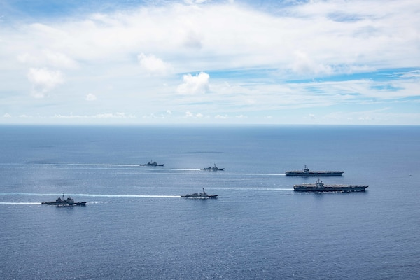 Teamwork in the South China Sea: Nimitz, Ronald Reagan CSGs continue exercises