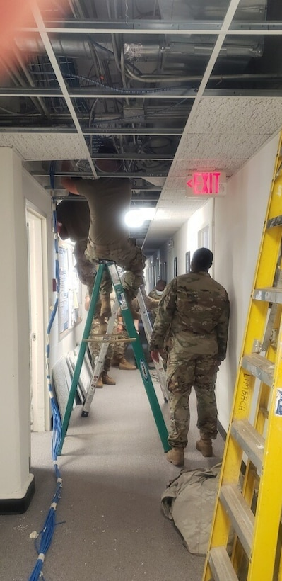 Army Reserve Soldiers modernize logistics center in COVID-19 fight