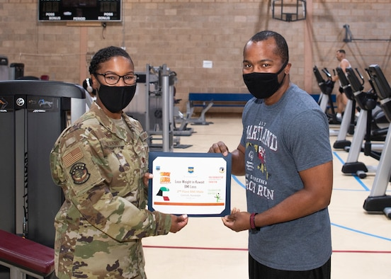 Airman receives certificate