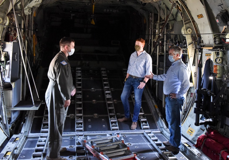 Air National Guard wing receives UV light disinfectant system; first in DOD