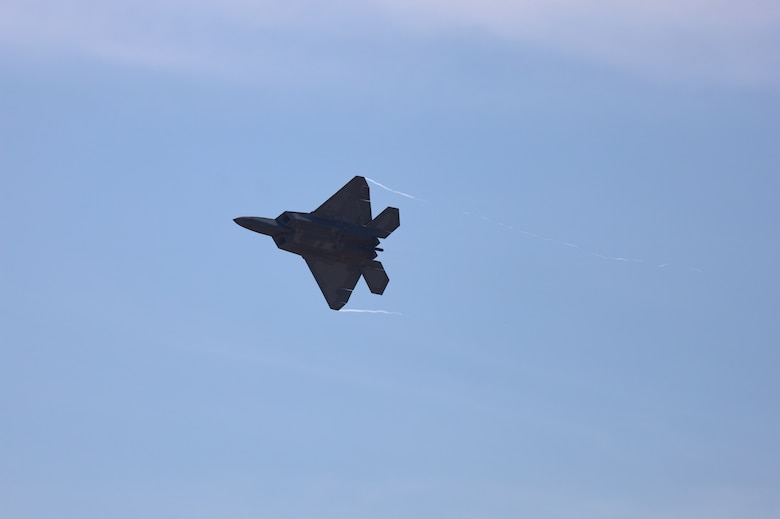 F22 in flight