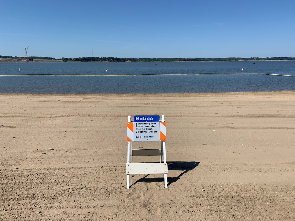 Notice sign at North Overlook Beach