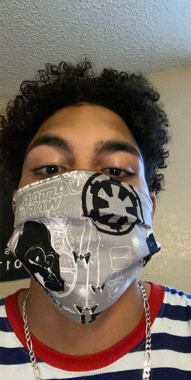 Man wearing cloth mask