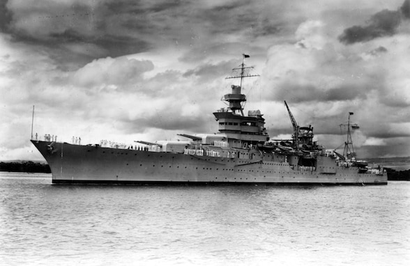 CNO Asks Fleet for Moment of Silence in Honor of USS Indianapolis 75th Anniversary
