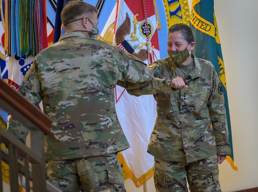 Daniels assumes command of U.S. Army Reserve