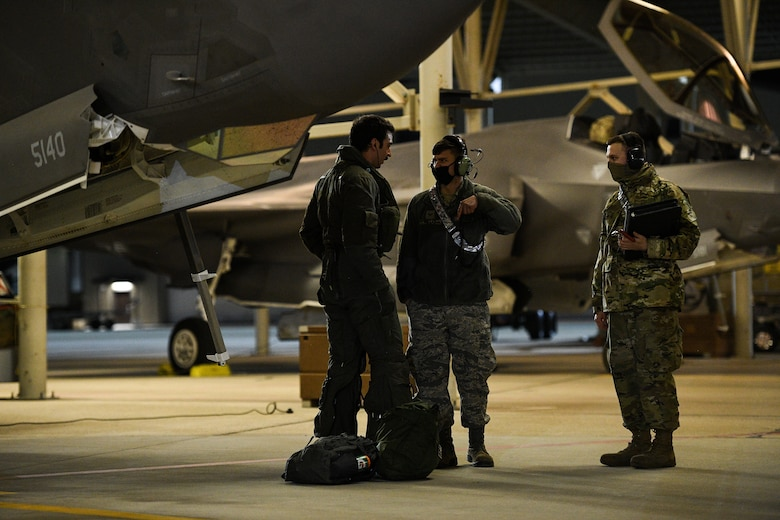 A photo of the 421st Fighter Squadron deployment to the Middle East.