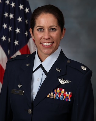 "Official photo of Lieutenant Colonel Lindsay ""CoCo"" Post in her service dress uniform"
