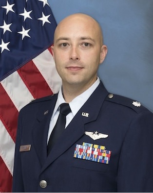 Official photo of Lieutenant Colonel David Spitler in his service dress uniform