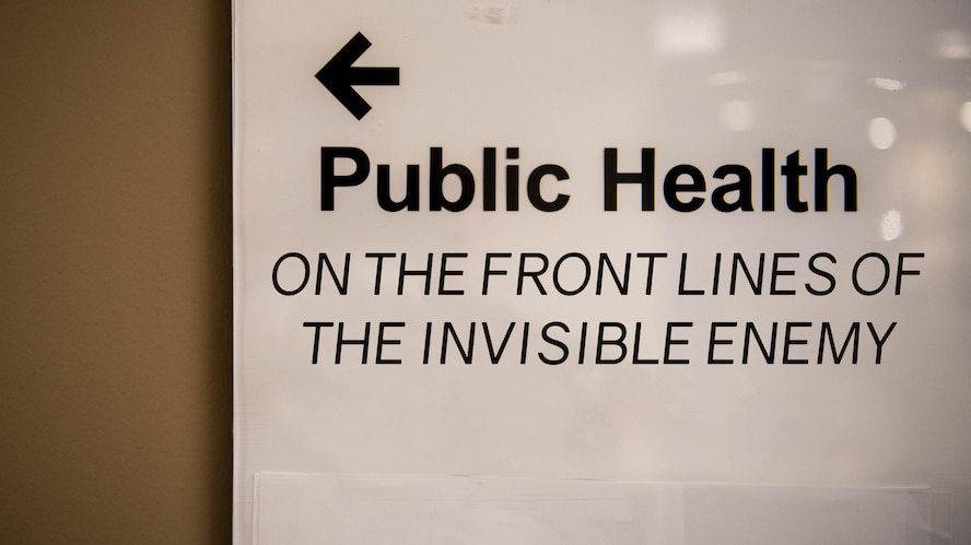A sign shows the way to the 2nd Medical Group public health unit at Barksdale Air Force Base, La, May 29, 2020. (U.S. Air Force graphic by Airman 1st Class Jacob B. Wrightsman)