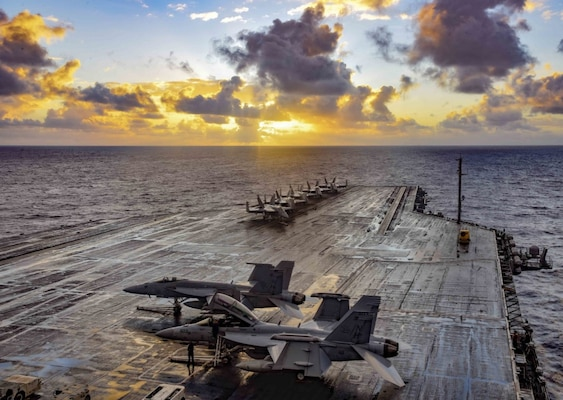 USS Theodore Roosevelt Completes Carrier Qualifications