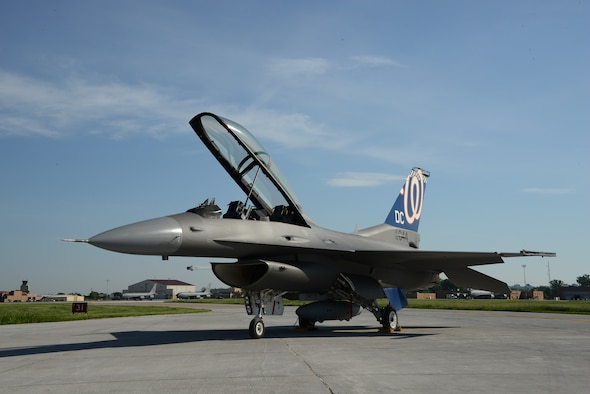 DC ANG F-16 with Washington Nationals tail flash