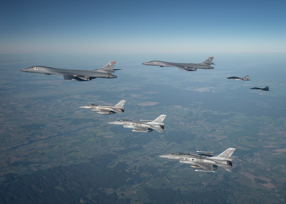B-1 integrates with Polish aircraft over Europe