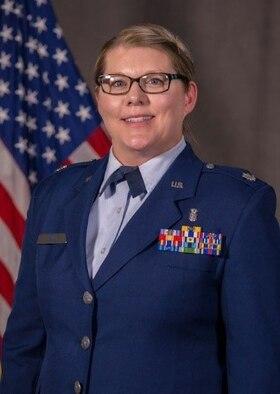 Official photo of Lt Col Amanda Hill