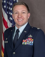 Official Photo of Lt Col Jason D. Kneuer