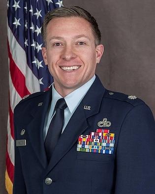 Official Photo of Lt Col Jason D. Kneuer