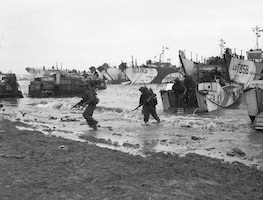 British troops come ashore at Jig Green sector, Gold Beach