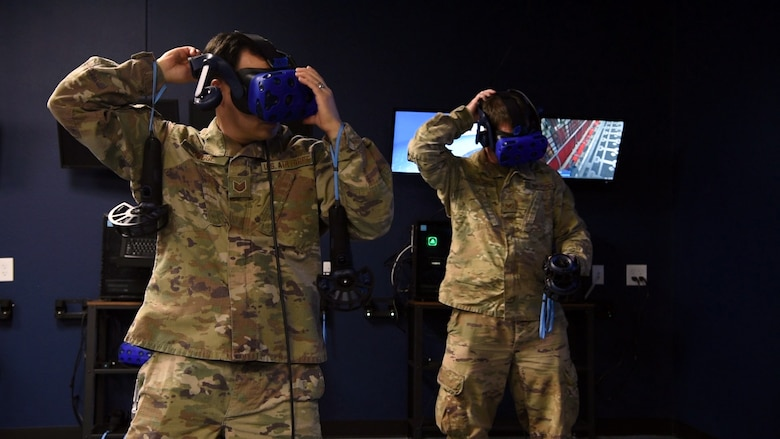 Airmen test virtual reality lab for aircraft maintenance