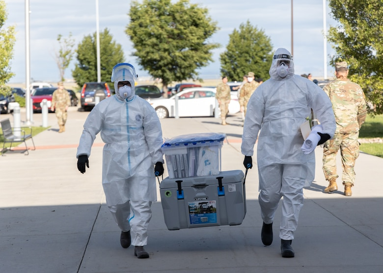 The Utah National Guard's Mobile Testing Team administered nasopharyngeal swabs, testing Soldiers and Airmen for COVID-19 who had responded to civil unrest in Salt Lake City, June 7, 2020.