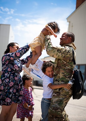 389th Fighter Squadron returns home from an extended eight month deployment, June 3, 2020, at Mountain Home Air Force Base, Idaho. (U.S. Air Force photo by Airman 1st Class Andrew Kobialka)