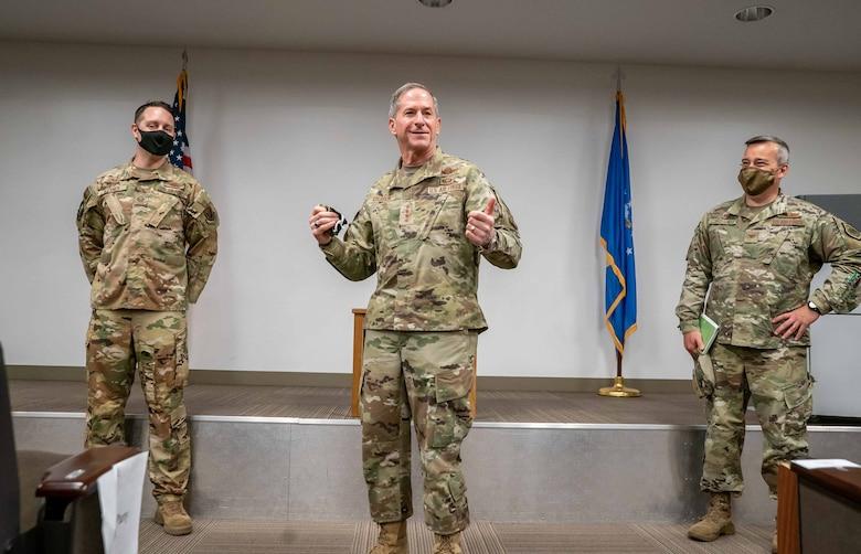 General speaks with group of Airmen