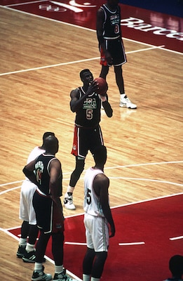 David Robinson prepares to make a free throw at the Olympic Games, Aug. 4, 1992.