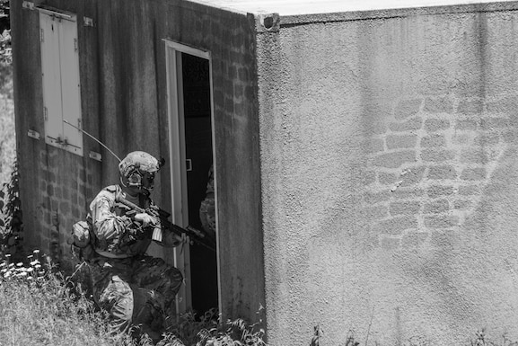 Joint Terminal Attack Controllers from the 148th Air Support Operations Squadron, Pennsylvania Air National Guard, clear a building during a training exercise, June 13, 2020, in Annville, Pennsylvania.