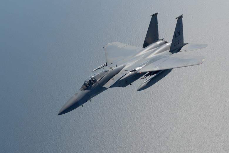 F-15 peels off after receiving fuel